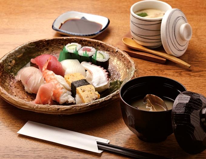寿司の味楽(みらく)