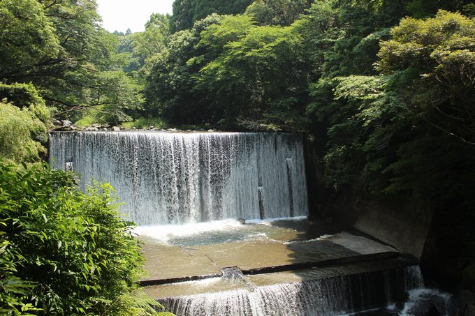 霧島神水峡の戸崎橋人工滝