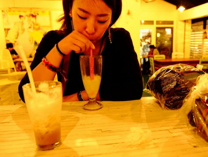 タイ・チェンマイのとあるカフェにて