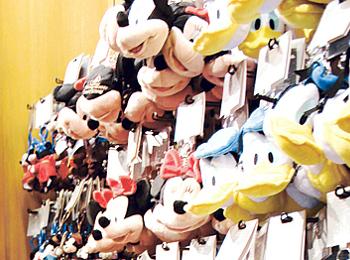 上海ディズニーランドのお土産売り場