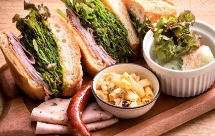 豚肉がマジ美味い!!/ふくどめ小牧場の気まぐれサンドイッチプレート