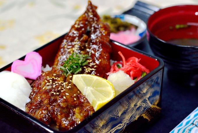 枕崎鰹大トロ丼(だいとく)