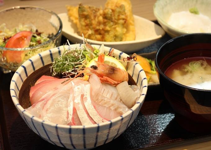 垂水海鮮丼(港屋たるみず~旅と飯屋~)