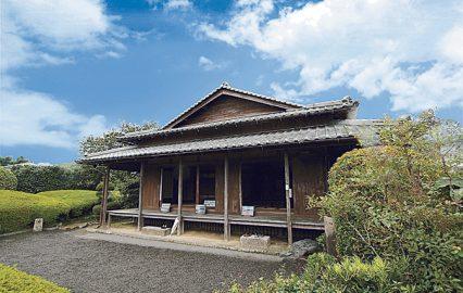 古い記事: 何故この屋敷では門の隣にトイレがあるの? | 木になる話/建