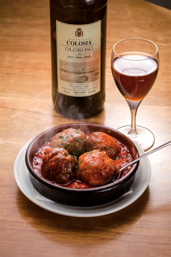 Spain bar EL MARINO(スペインバル・エルマリノ)肉団子のトマト煮