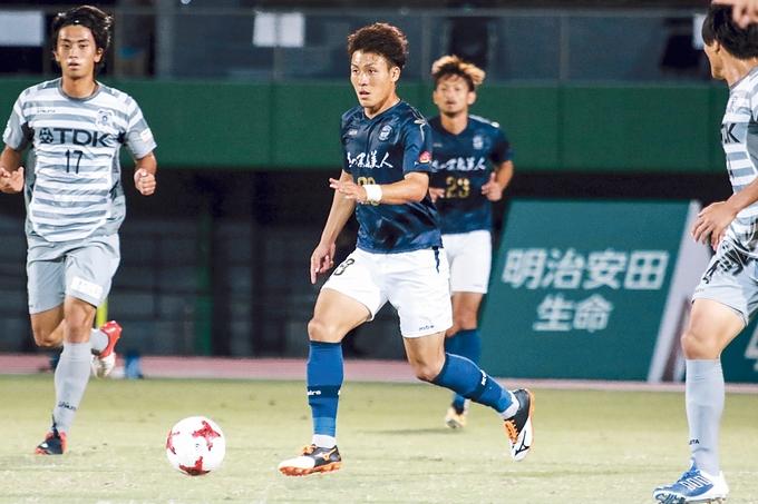 鹿児島ユナイテッドFC FW/野嶽 惇也選手プレー中