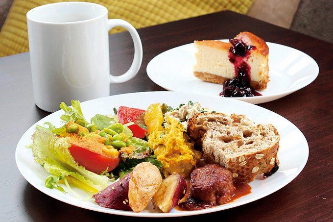 TELLA CAFE(テラ カフェ)