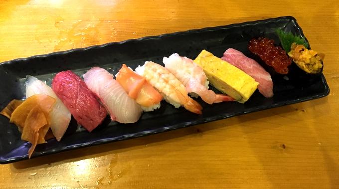 すし・海鮮酒場いっこう「特上寿司10貫」