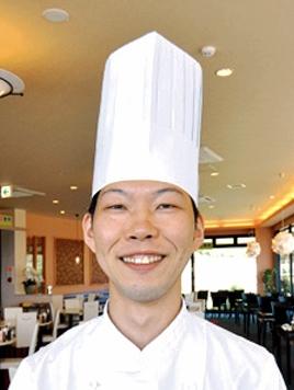 黒酢レストラン黒酢の郷 桷志田 料理長 中村 誠治さん