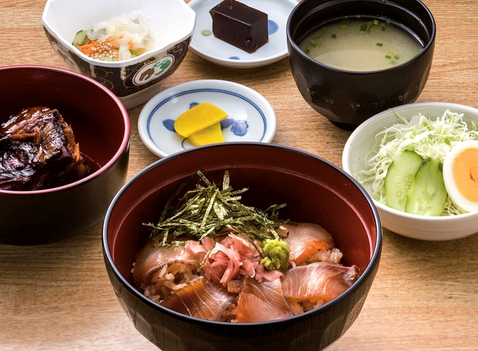 かんぱち漬丼定食「味処 桜勘」