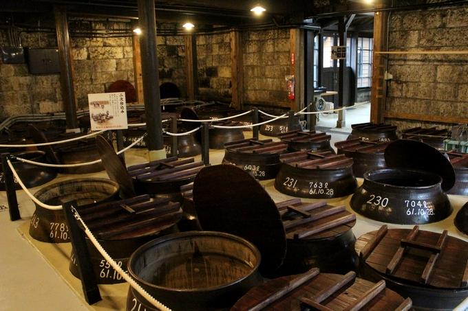 石蔵ミュージアム「かめ壺のある醗酵室」