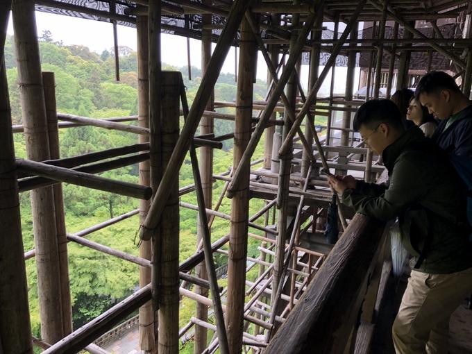 改装中の清水寺の舞台