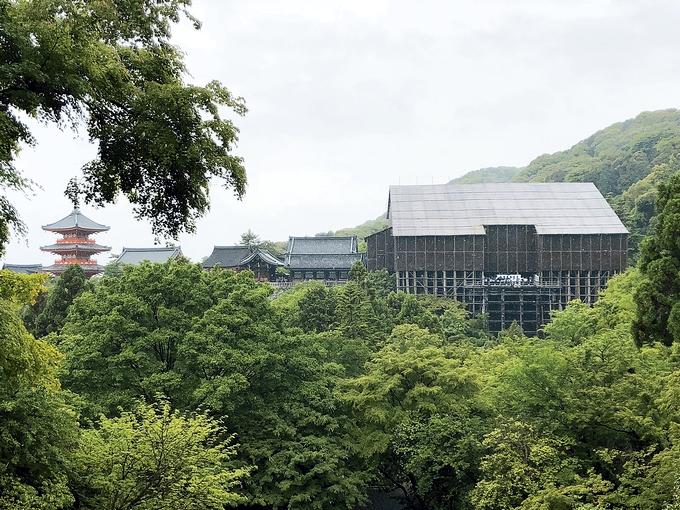 改修工事中の清水寺