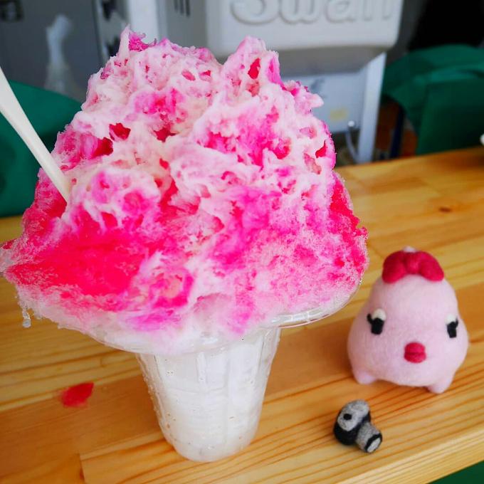 柳川氷室「ミルクイチゴ味かき氷」
