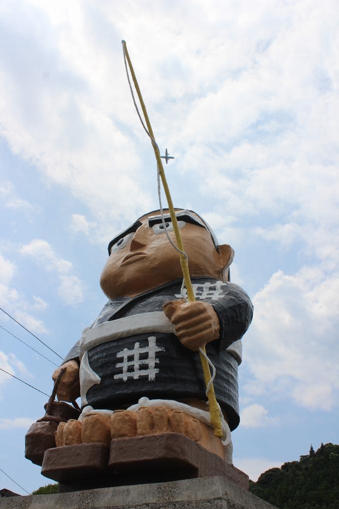 日当山温泉に遊ぶ西郷隆盛先生の像