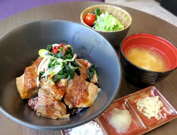 ホテル ザ セレスティン東京芝「西郷丼(せごどん)」