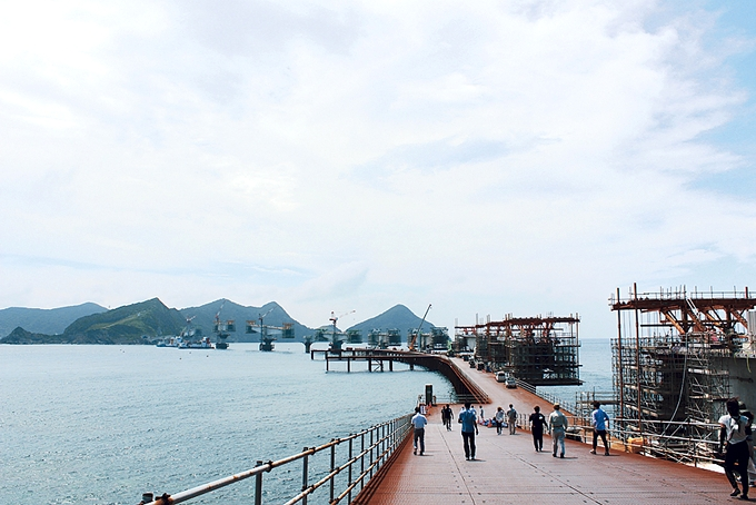工事中の藺牟田瀬戸架橋