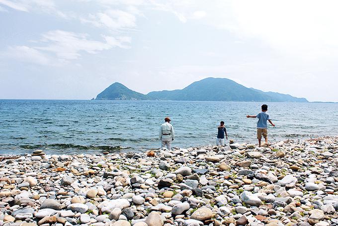 長目の浜の玉石