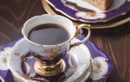 古い記事: 珈琲よろずよ | こだわりの自家焙煎コーヒーを飲む(鹿児島市