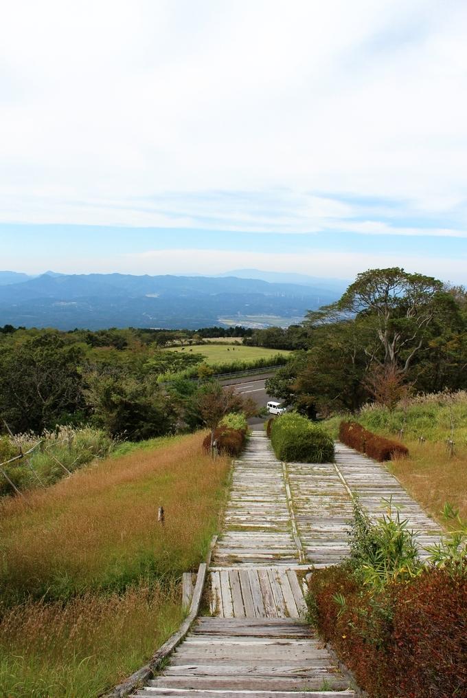 栗野岳・日本一の枕木階段からの景色