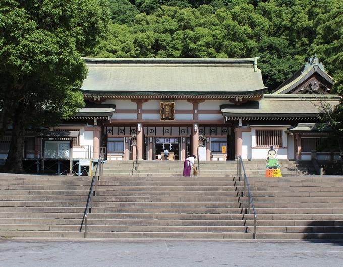 照国神社拝殿