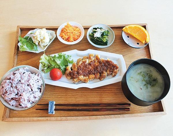 イワシビル「梅生姜醤油のポークソテー」