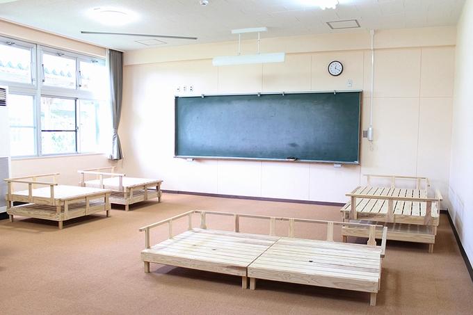 たからべ森の学校「大部屋」