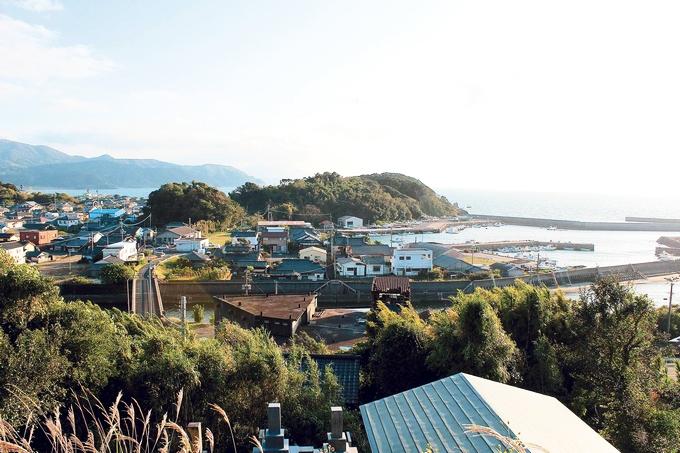 高台から見た高須町の街並み