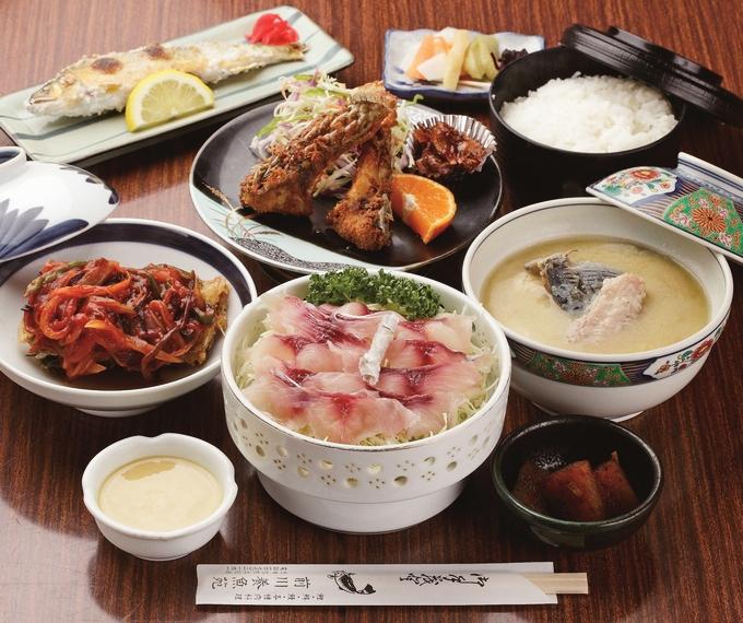 前川養魚苑「定食(竹)」