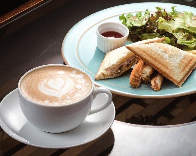 cafe AQUAROOM (アクアルーム)