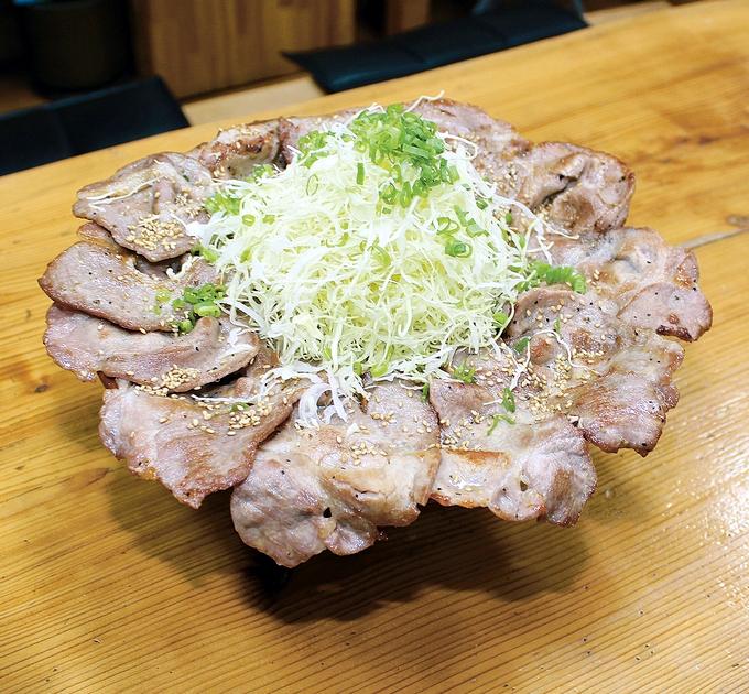 丼や和華「トン助ラーメンうっ米メガ」