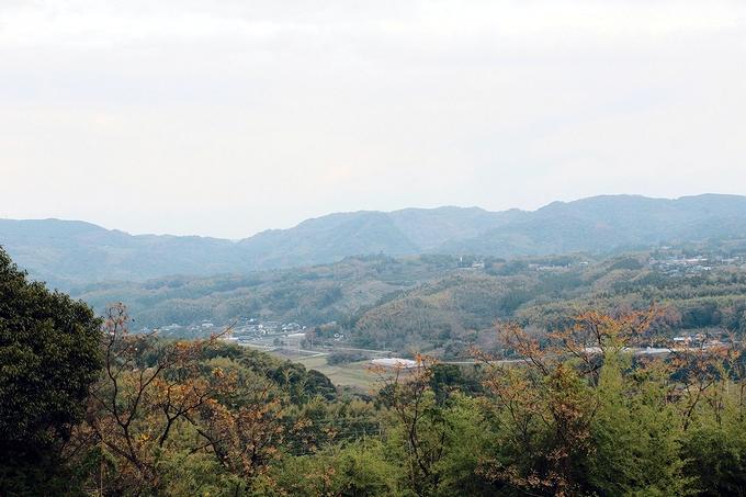 横平山戦跡から田原坂を眺める