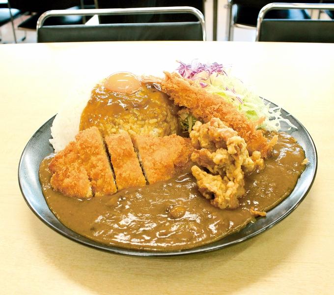 トラックターミナル食堂「桜島カレー」