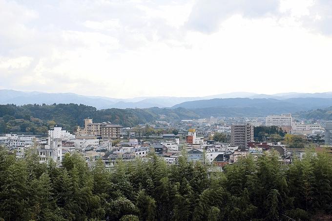 官軍砲台跡から見下ろす人吉市街地