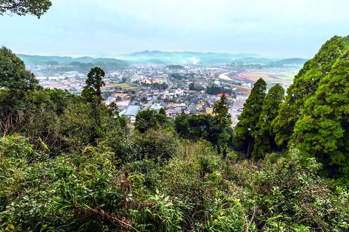 松尾城跡から望む栗野市街地