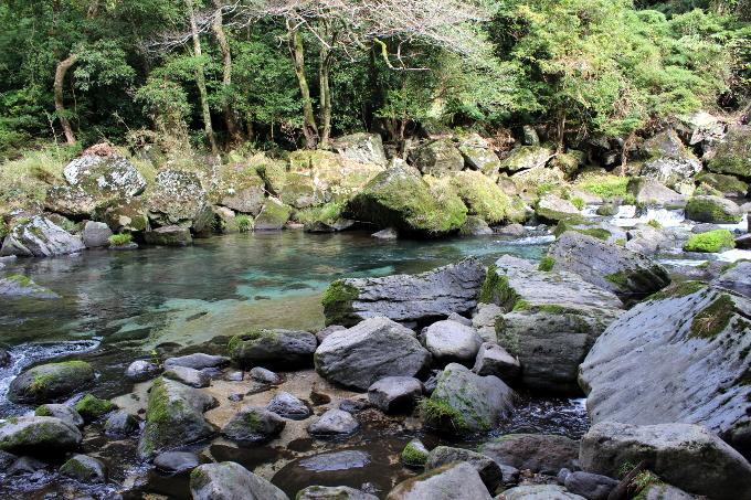 雄川の滝途中の渓流