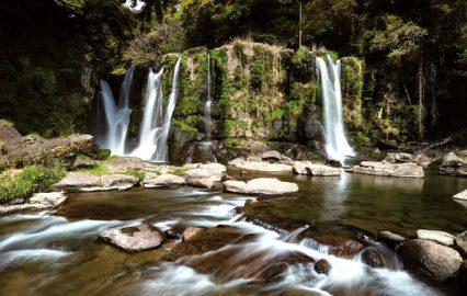 古い記事: 桐原の滝 | 清涼感あふれるパワースポットで癒やしを(財部町
