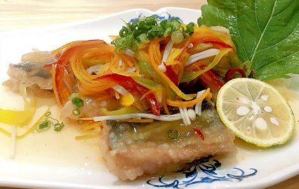 秋刀魚の黒酢あんかけ