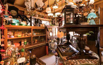 古い記事: レトロ舞 | ブラウン管テレビや黒電話も並ぶ古道具店(鹿児島