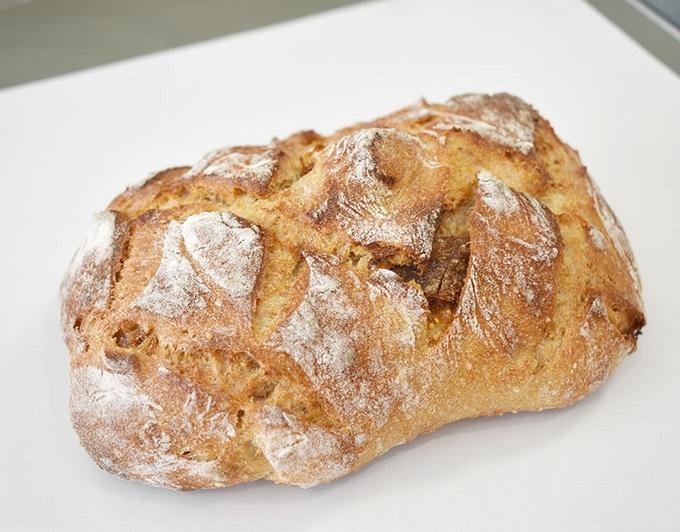 ベーカリー ハコス「いちじくパン」