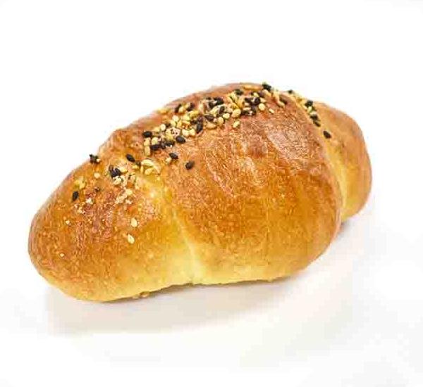 名山ベーカリーふくすけ「白あん塩パン」
