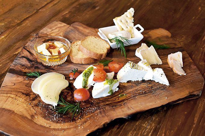 レストラン「TAKE」のチーズ盛り合わせ