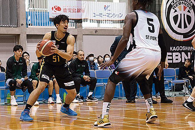 鹿児島レブナイズ PF #51 安慶大樹選手プレー中