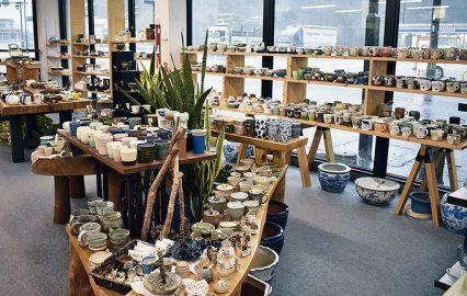 古い記事: 岡家具店 | アットホームな店内で暮らしを彩る雑貨や家具を(
