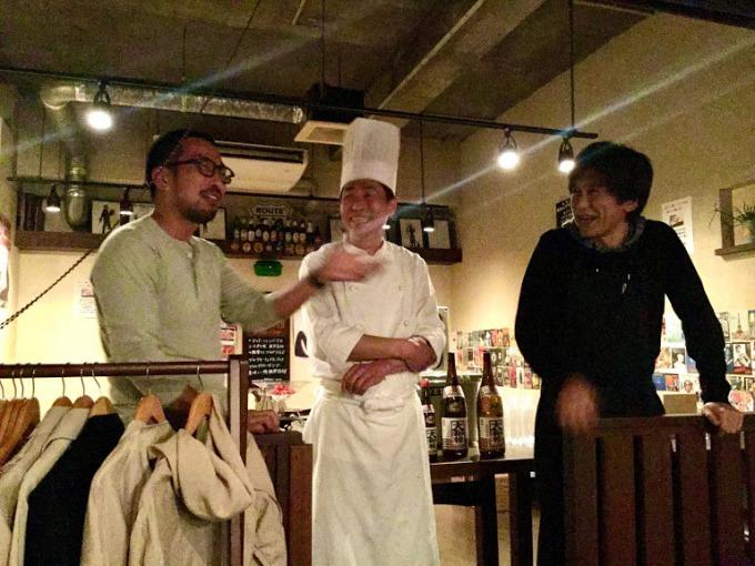 大和桜酒造の若松鉄幹さん(左)を招いてのディナー会