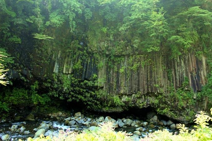 霧島神水峡の柱状節理