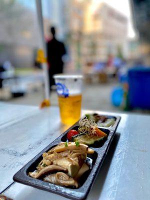 よかどビアテラス。市街地のど真ん中で、屋外で飲むビールは一段と美味しい