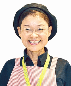 月揚庵 鹿児島中央駅みやげ横丁店 スタッフ 後藤 昭子さん