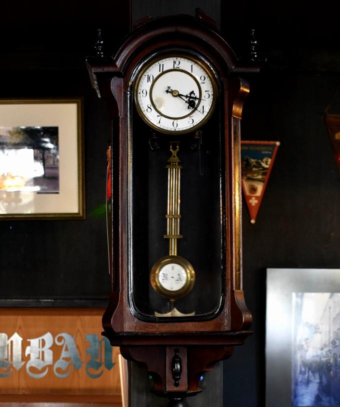 珈琲・紅茶館 南蛮「ノスタルジックな掛け時計」