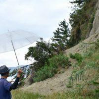 新島「大雨による土砂崩れ現場」